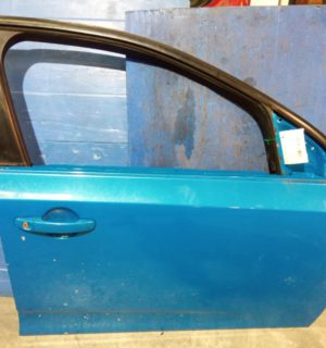 2009 FORD FALCON RIGHT FRONT DOOR