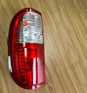 2004 FORD COURIER LEFT TAILLIGHT