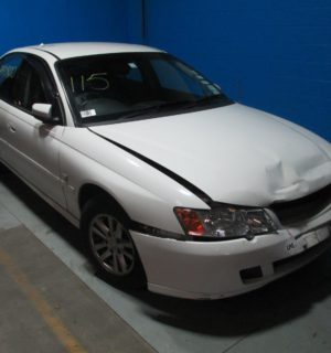 2004 HOLDEN COMMODORE WHEEL MAG