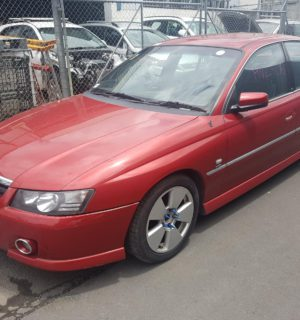 2006 HOLDEN COMMODORE RIGHT INDICATOR FOG SIDE