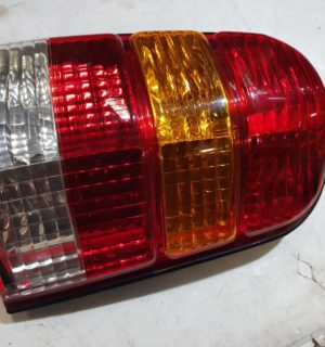 2005 FORD ESCAPE RIGHT TAILLIGHT