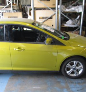 2012 FORD FOCUS SIDE STEP SKIRT